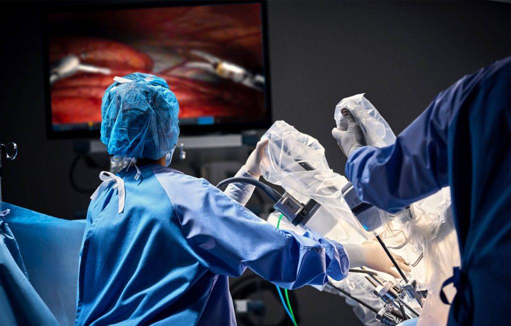 il chirurgo del futuro è un robot