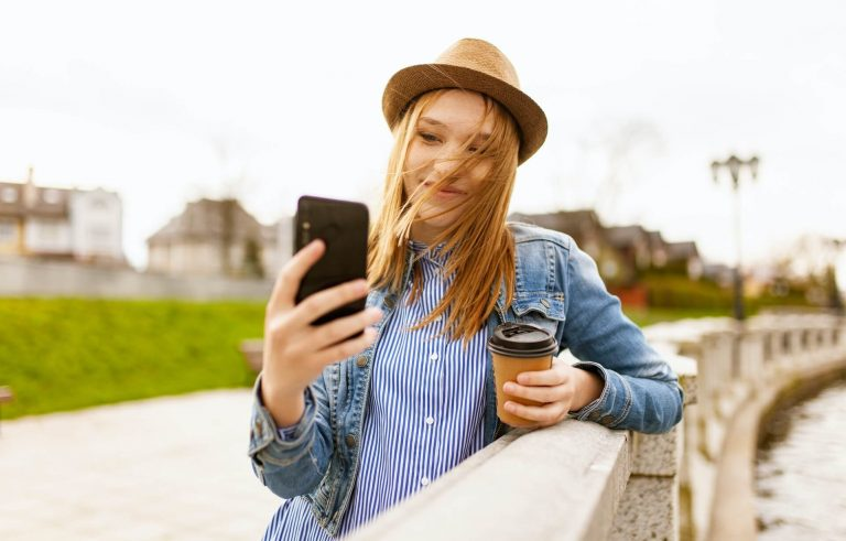 selfie smartphone social
