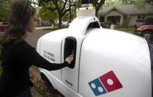 Le pizze? A Houston te le consegna un robot
